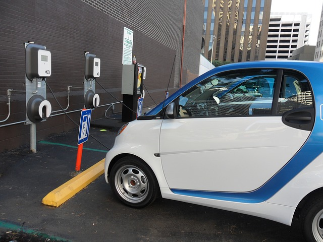Introducció a la tecnologia de vehicles híbrids i elèctrics